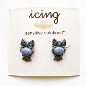 Vintage Claire's Icing silver & lilac owl earrings